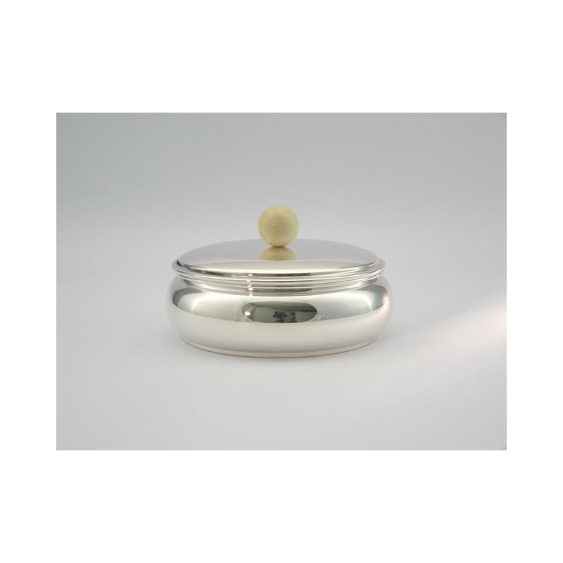 Silberdose mit Elfenbeinknopf